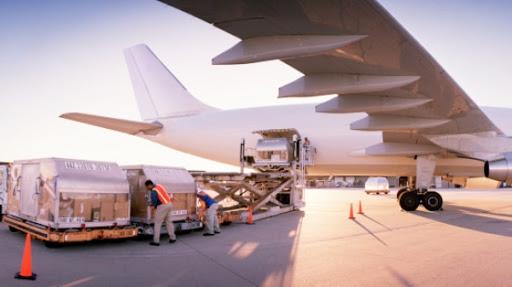 Giá cước vận chuyển hàng hóa quốc tế bằng đường hàng không